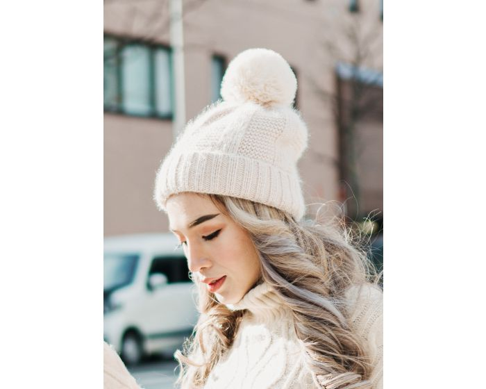 1067 Knitting & Wool Hat