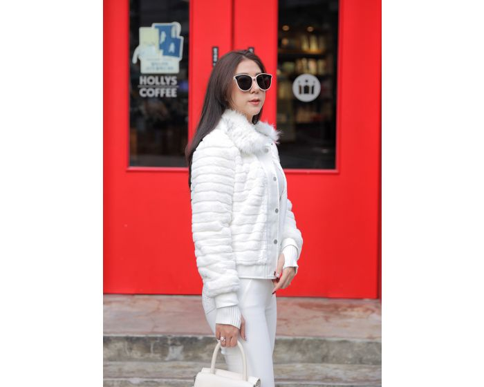 602 Fluffy White jacket