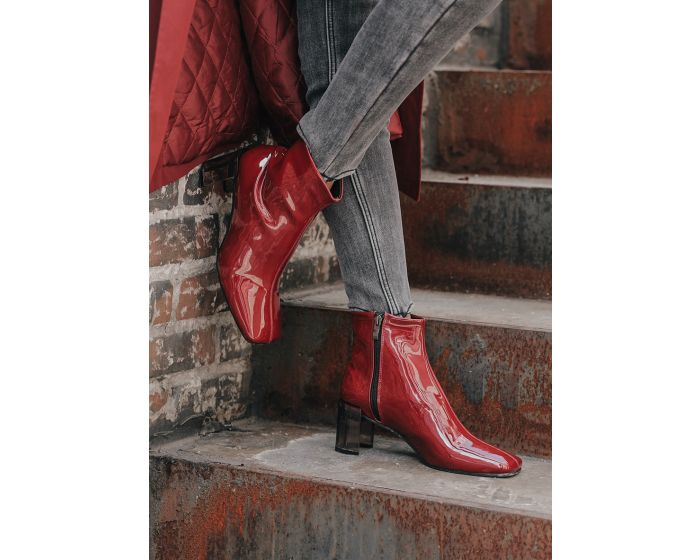 910 Glossy Ankle boots